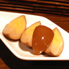 味彩特製「奄美の酢玉子(100円)」は、独特な甘さと酸味があとを引く1品。焼酎との相性も抜群の人気のおつまみ。