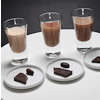 【産地比べセット】の3種の異なるカカオの「ショコラショー・カカオ豆・チョコレート」を比べられるイートイン限定メニュー。