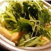 冬季限定の鍋料理は「水炊き」「キムチ鍋」「味噌鍋」など。みんなで囲めば心まで温かくなります♪