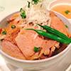 味が染み込んだロース肉をじっくり焼き上げた定番『豚丼』はサイズが選べるのも嬉しいポイント!
