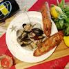 「3種の貝のワイン蒸し」凝縮した貝のジューシーな味がたまらない一品です。スパークリングワインや白ワインとぴったりです♪